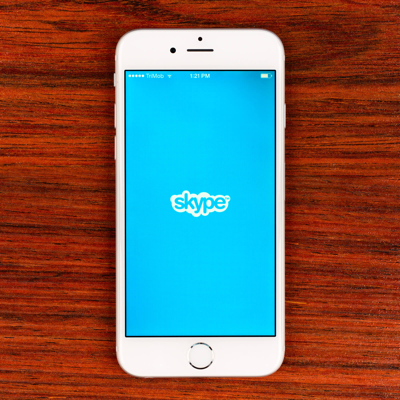 Technologist's and celebrity's opinion about Skype benefits and drawbacks